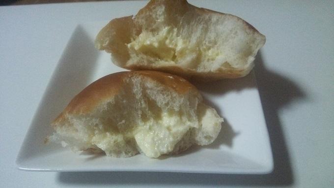 日本一まずいバターパンの断面