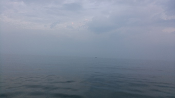 曇っていて粟島が見えない