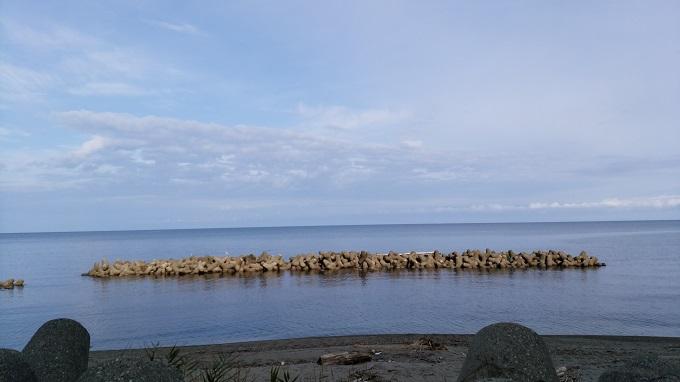 穏やかな海。でもだんだん風が強くなる