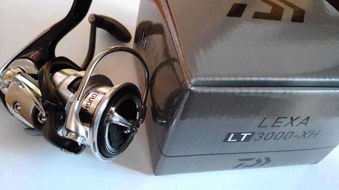 19レグザ3000-XHの本体と箱
